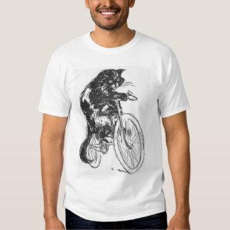 Gato negro del vintage en la bicicleta playeras