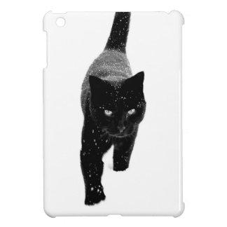 Gato negro en la nieve - mini caso del iPad