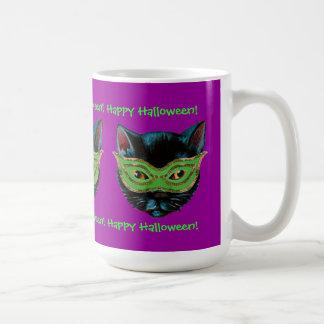 Gato negro en máscara taza