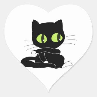 Gato negro lindo con las patas blancas pegatina de corazón
