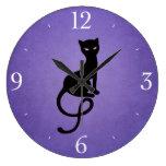 Gato negro malvado gracioso púrpura relojes