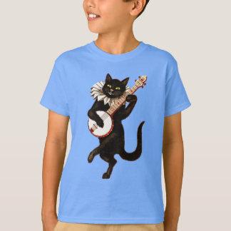 Gato negro que juega la camiseta del niño del