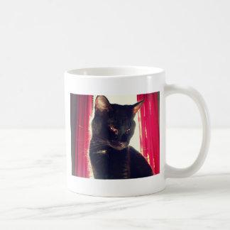 Gato negro taza básica blanca
