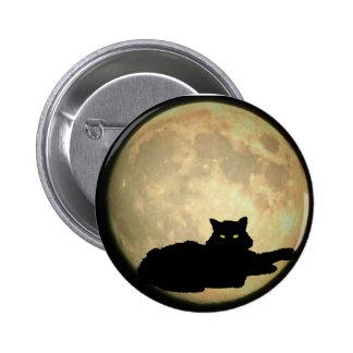 Gato negro y luna de reclinación pin redondo de 2 pulgadas