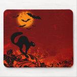 Gato negro y palos de Halloween Alfombrilla De Raton