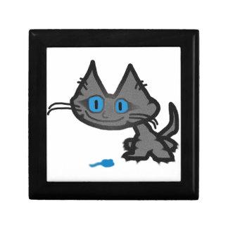 Gato observado azul y su pequeño juguete del ratón caja de regalo