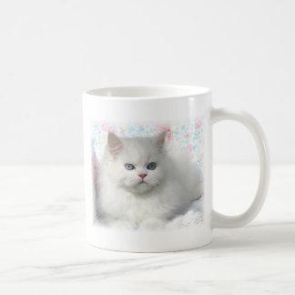 Gato persa adorable blanco taza de café