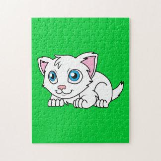 Gato persa blanco lindo feliz con los ojos azules puzzles