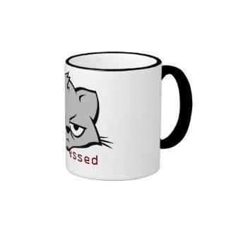 gato poco impresionado tazas de café