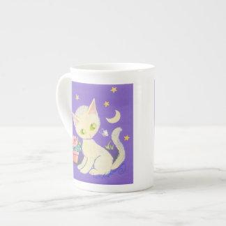 Gato poner crema del gatito con la maceta, la luna taza de porcelana