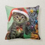 Gato precioso del navidad cojín decorativo