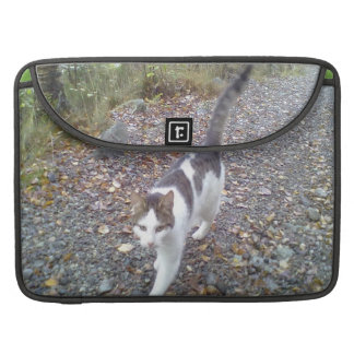 Gato que camina funda para macbook pro