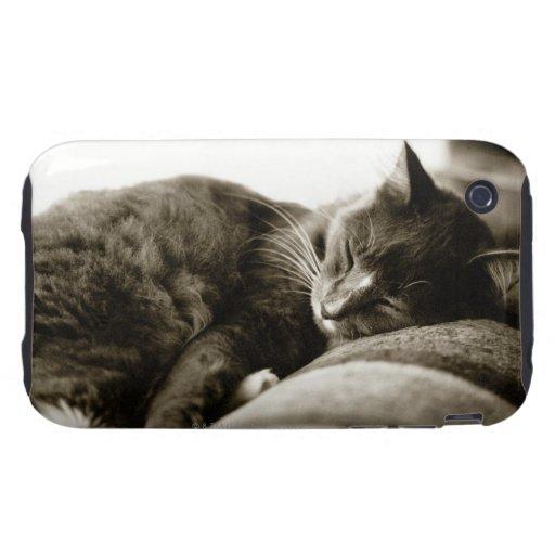 Gato que duerme en el sofá (tono de la sepia de iPhone 3 tough protectores
