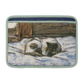 Gato que duerme en una cama de Claude Monet Fundas MacBook