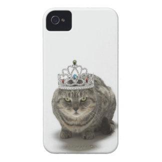 Gato que lleva una tiara iPhone 4 Case-Mate cobertura