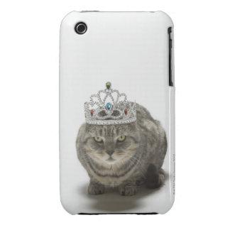 Gato que lleva una tiara Case-Mate iPhone 3 funda
