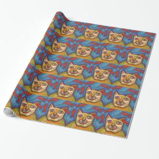Gato que mira el papel de envoltorio para regalos papel de regalo
