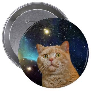 Gato que mira fijamente el universo pin redondo de 4 pulgadas