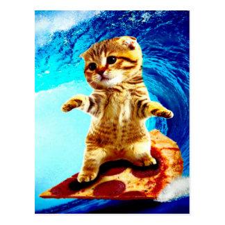 Gato que practica surf de la pizza tarjeta postal
