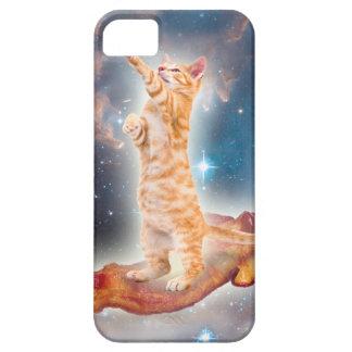 Gato que practica surf del tocino en el universo iPhone 5 carcasa