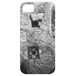 Gato que se coloca en la rueda de piedra vieja funda para iPhone SE/5/5s