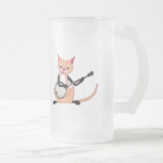 Gato que toca el banjo taza de café