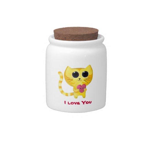 Gato romántico lindo con el corazón jarra para caramelo