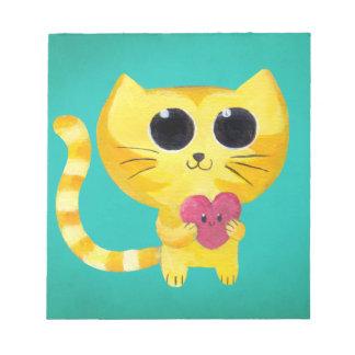 Gato romántico lindo con el corazón sonriente blocs de notas
