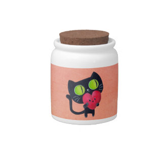 Gato romántico que abraza el corazón lindo rojo jarra para caramelo