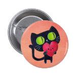 Gato romántico que abraza el corazón lindo rojo pin redondo de 2 pulgadas