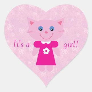 Gato rosado lindo del dibujo animado su un nuevo pegatinas de corazon personalizadas