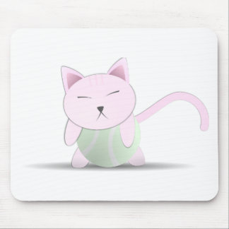 Gato rosado lindo en pelota de tenis mouse pads