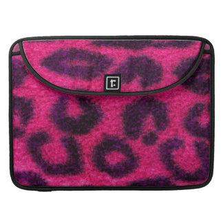 Gato salvaje manchado del leopardo rosado funda para macbooks