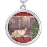 Gato siamés - collar de plata redondo del navidad