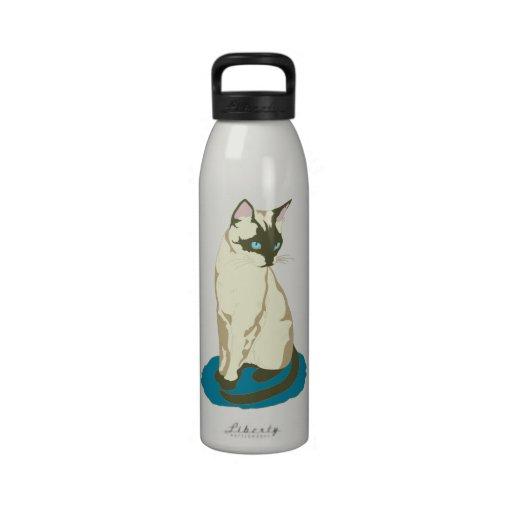 Gato siamés en azul botella de agua