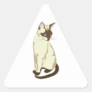 Gato siamés hermoso del gatito pegatina triangular
