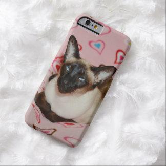 Gato siamés observado Squinty Funda De iPhone 6 Barely There