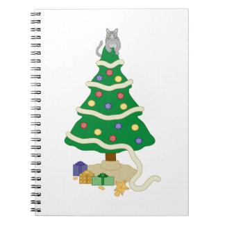 Gato travieso del gatito del árbol de navidad spiral notebook