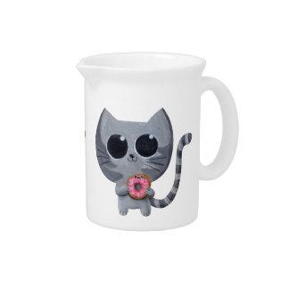Gato y buñuelo grises lindos jarras de beber