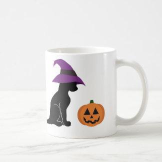 Gato y calabaza de la bruja de Halloween Taza