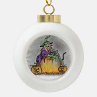 Gato y calabaza de la bruja. ¡Feliz Halloween! Adorno De Cerámica En Forma De Bola