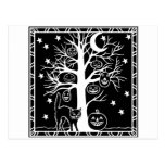 Gato y el árbol de la calabaza tarjeta postal