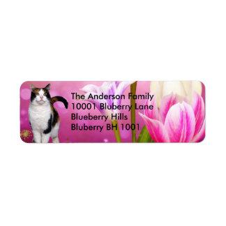 Gato y flores del remite de la etiqueta etiqueta de remitente
