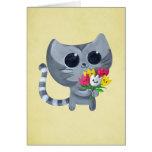 Gato y flores lindos del gatito tarjeton