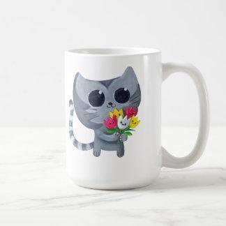 Gato y flores lindos del gatito taza básica blanca