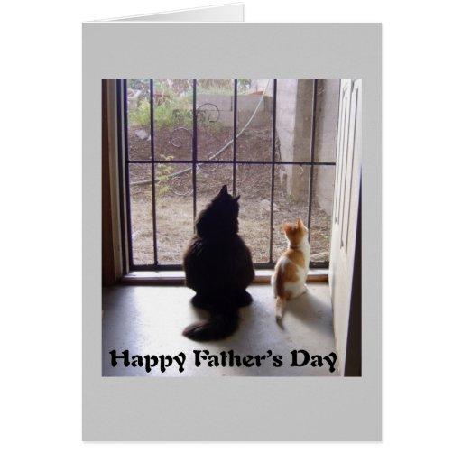 Gato y gatito felices del día de padres tarjetón