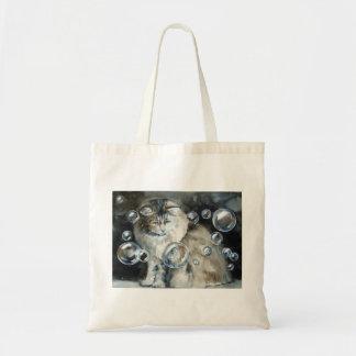 Gato y la bolsa de asas de pelo largo de las burbu