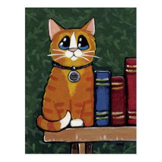 Gato y libros de Tabby del jengibre que pintan la Tarjeta Postal