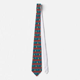 Gato y tejado corbata