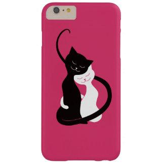 Gatos blancos y negros lindos rosados en amor funda de iPhone 6 plus barely there